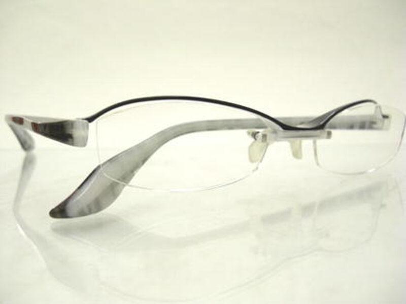 JN-493 black&white